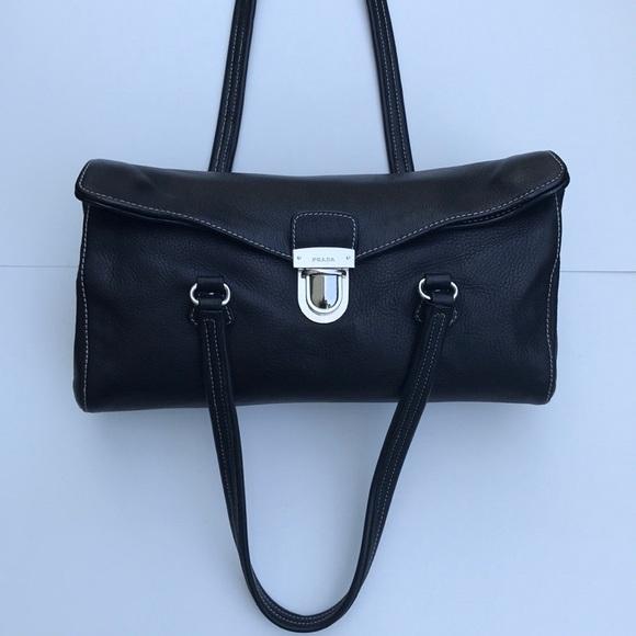 66be40699fdf Authentic Prada Vitello Daino Shoulder Bag. M 5b3d549fc61777a707e19030
